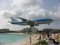KLM on Sint Maarten by <b>Joop Dobber</b> ( a Panoramio image )