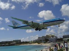 Every week a KLM plane on Sint Maarten by <b>Joop Dobber</b> ( a Panoramio image )