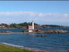 Fisgard Lighthouse 3 by <b>Gabor Retei</b> ( a Panoramio image )