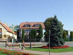 Stare Babice, rynek by <b>Hiup (Hubert)</b> ( a Panoramio image )