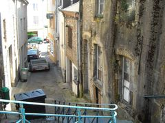 Le vieil escalier dans la vieille rue de la vieille ville by <b>Thei Moors|</b> ( a Panoramio image )