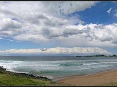 Bombo Beach, looking SE towards Kiama by <b>Michael Thompson</b> ( a Panoramio image )