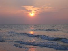 Sunrise on the beach by <b>Jewels</b> ( a Panoramio image )