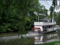 Riverboat by <b>Rein Nomm</b> ( a Panoramio image )