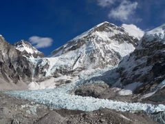 Nuptse and Khumbu glacier by <b>Luciano (www.wideview.it/travel)</b> ( a Panoramio image )