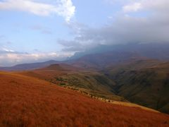 """Mike""""s Pass Drakensberg by <b>RH Muller</b> ( a Panoramio image )"""