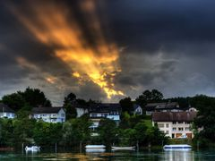 Busingen am Hochrhein: Nice Sunset with a great beam of light (H by <b>GandalfTheWhite</b> ( a Panoramio image )