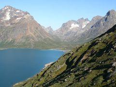 Ostteil des Sees Tasersuaq by <b>serge_kraeutle</b> ( a Panoramio image )