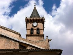 VILLENA (Alicante). Torre de la iglesia Arciprestal de Santiago  by <b>Carlos Sieiro del Nido</b> ( a Panoramio image )
