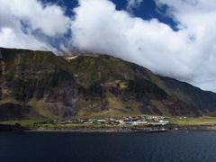 2006-03-18 Tristan da Cunha Settlement Edinburgh by <b>G. Kimpel</b> ( a Panoramio image )