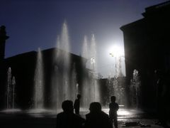 Playing with water - and the sun - in front of the Parliament Bu by <b>Stefan Tanner</b> ( a Panoramio image )