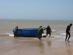 retour de peche par gros temps pres de Sidi Kaouki by <b>Claude Soumagne</b> ( a Panoramio image )