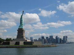 Lady Liberty with Manhattan by <b>Rahela & Kreso</b> ( a Panoramio image )