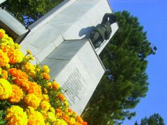 m. kemal heykeline bak?s by <b>Abdussamet ©</b> ( a Panoramio image )