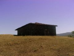 yaln?z ev by <b>(other) Mustafa ERKEK</b> ( a Panoramio image )
