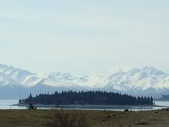 Small Island on Lake Tekapo by <b>Zita Smith</b> ( a Panoramio image )