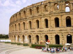 Anfiteatro romano. El Jem. by <b>Arturo Garcia</b> ( a Panoramio image )