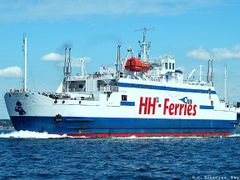 A ferrie between Helsing?r and Helsingborg by <b>H. C. Steensen</b> ( a Panoramio image )