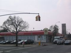Northern Blvd, Jackson Heights by <b>Mate J Horvath</b> ( a Panoramio image )