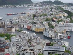 Alesund depuis le sommet by <b>Geindre jean paul</b> ( a Panoramio image )