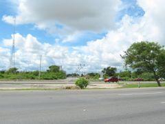 Avenida 50 por Kilometro 33 Periferico (Salida / entrada al Frac by <b>Jose Manuel Repetto Menendez</b> ( a Panoramio image )