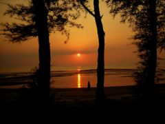 Sun set _ daman  by <b>alokdutta</b> ( a Panoramio image )