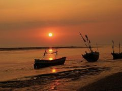 When day ends_ Daman by <b>alokdutta</b> ( a Panoramio image )