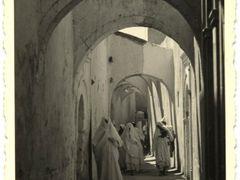 Tripoli - 1930 circa - Citta vecchia by <b>Roberto De Bernardi Old Photo</b> ( a Panoramio image )