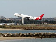 Qantas Jet takeoff at Sydney Kingsford Smith International Airpo by <b>PHOTO.K.C</b> ( a Panoramio image )