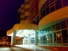 New hotel/business-center under construction - Новая строящаяся  by <b>KPbICMAH</b> ( a Panoramio image )