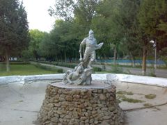 Old fountain in the park - Старый фонтан в ЦПКиО by <b>KPbICMAH</b> ( a Panoramio image )