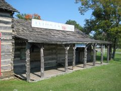 Bixby Antiques by <b>Mike Munie</b> ( a Panoramio image )