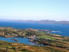 Bere Island ,East End by <b>trolek</b> ( a Panoramio image )