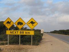 Australian Roadsign by <b>Wibo Hoekstra</b> ( a Panoramio image )
