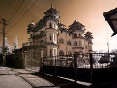 Gipsy House in Huedin by <b>George Fozocos</b> ( a Panoramio image )