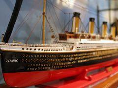Floreal - ship model factory by <b>Jan Madaras - outland</b> ( a Panoramio image )