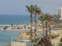 Netanya Beach by <b>Moshe Shaharur</b> ( a Panoramio image )