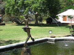 Water Feature, Art Gallery Garden by <b>anur</b> ( a Panoramio image )
