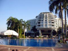 Dusit island hotel, Chiang Rai, 2007 (Thailand)  by <b>Daniel.Bisson</b> ( a Panoramio image )