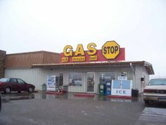 Gas Bar - Minot, North Dakota by <b>leepitts</b> ( a Panoramio image )