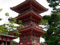 Three Story Pagoda, Otowa-san Kiyomizu-dera, Kyoto, Japan by <b>Richard Ryer</b> ( a Panoramio image )