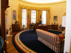 """Clinton""""s Oval Office by <b>MAL10587</b> ( a Panoramio image )"""