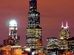 Chicago by night - honorable mentions 2008 october contest by <b>Jacek Wojnarski</b> ( a Panoramio image )