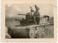 Libia 1942 Carro italiano M13 by <b>© Bighi Oreste</b> ( a Panoramio image )