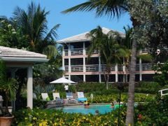 Ocean Club West by <b>Marius M.</b> ( a Panoramio image )