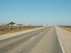 Nullarbor Roadhouse by <b>ExTester</b> ( a Panoramio image )
