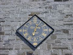The one handed Elizabethan Clock at Castletown by <b>Puckoon</b> ( a Panoramio image )