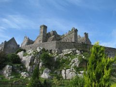 Rock of Cashel - exceptional sunny irish day :-) by <b>TomDerElch.de</b> ( a Panoramio image )