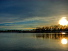 Des Moines - Grays Lake - Sunset by <b>chekki</b> ( a Panoramio image )