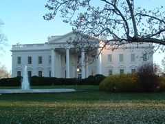 The White House by <b>John Paquette</b> ( a Panoramio image )